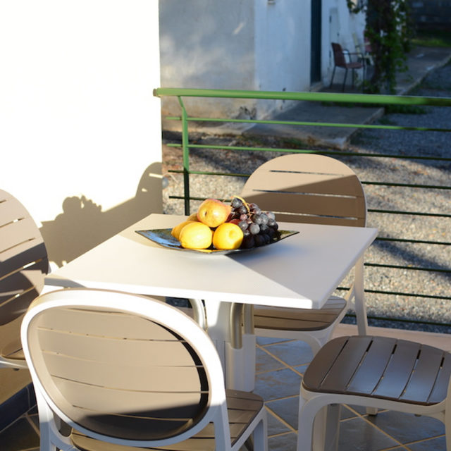 villini con patio esterno coperto e attrezzato